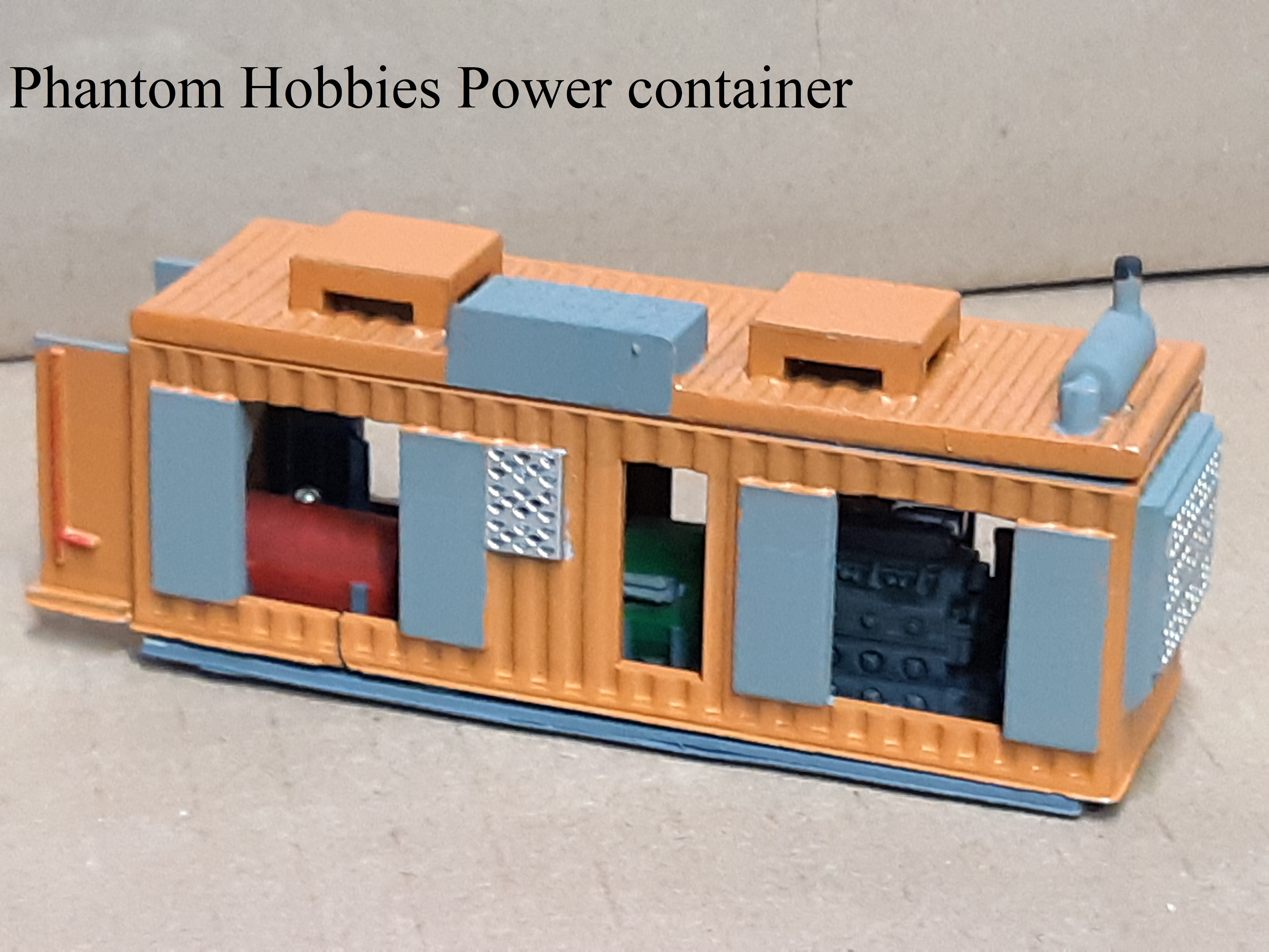 Ho scale power container
